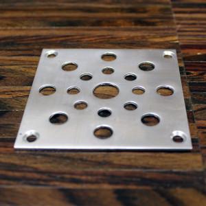 Декоративная ветиляционная металлическая решетка для паркета