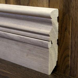 Фигурный массивный плинтус со вставкой из ореха 100×20мм