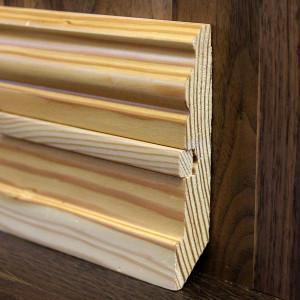 Фигурный массивный плинтус со вставкой лиственница 100×20мм