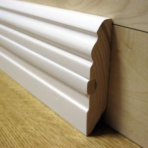 Плинтус фигурный белый со вставкой 80×20мм