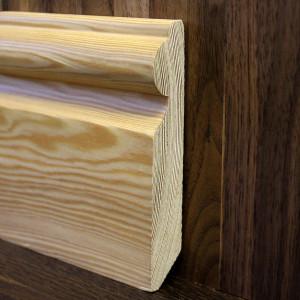 Плинтус массивный фигурный лиственница 120×20мм